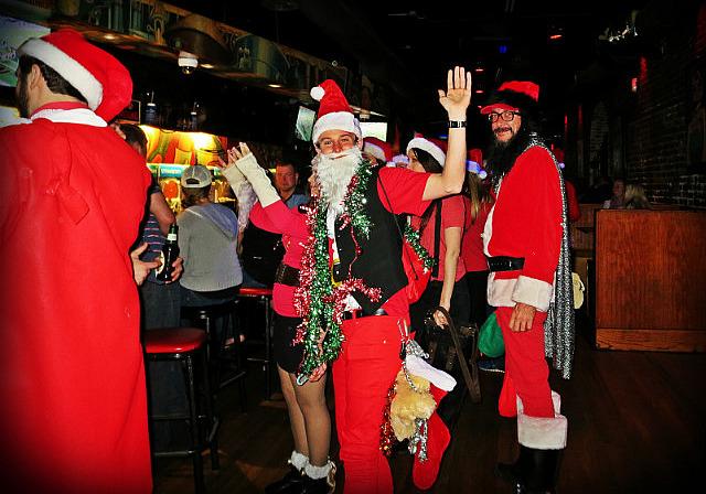 Barhopping Santas