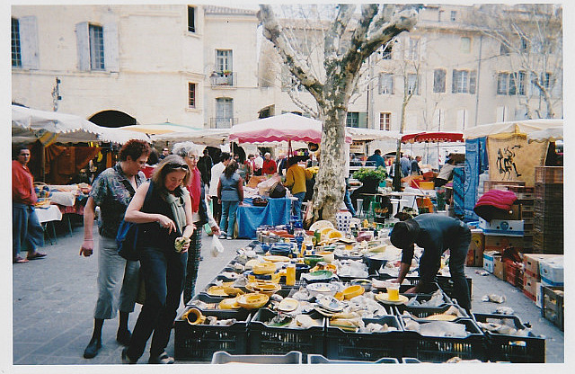 Beth and Suzanne shopping in the Uzes Market